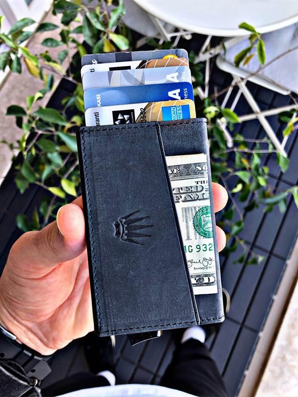 CARTER CRAZY BLACK GENUINE LEATHER WALLET WITH MECHANISM